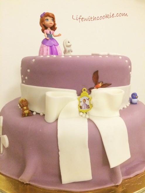 sofija, rođendanska torta, sofija crtić, torta na kat