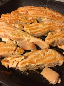 losos s povrćem, losos s porilukom, losos u umaku
