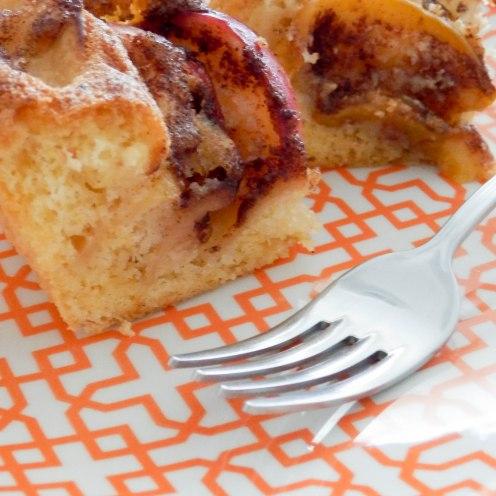 brzi ljetni kolač od breskve