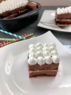 kolač s višnjama